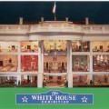 web 1992 POSTCARD White House Replica 001F WHR